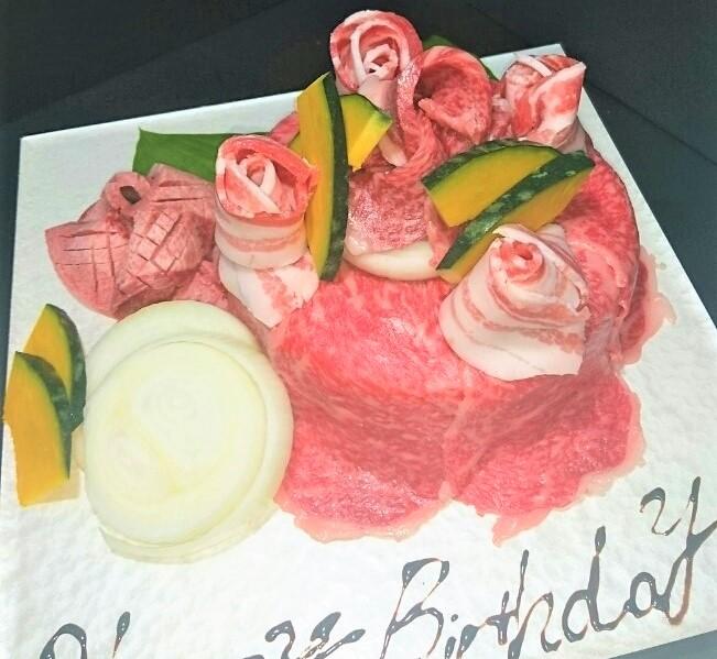 ご好評いただきました肉ケーキ!!